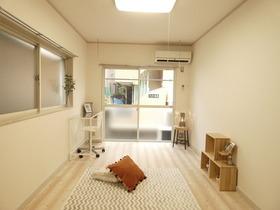 洋室※モデルルーム仕様、小物等は設備に含まれません。