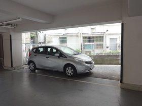 B・Fハイツ駐車場