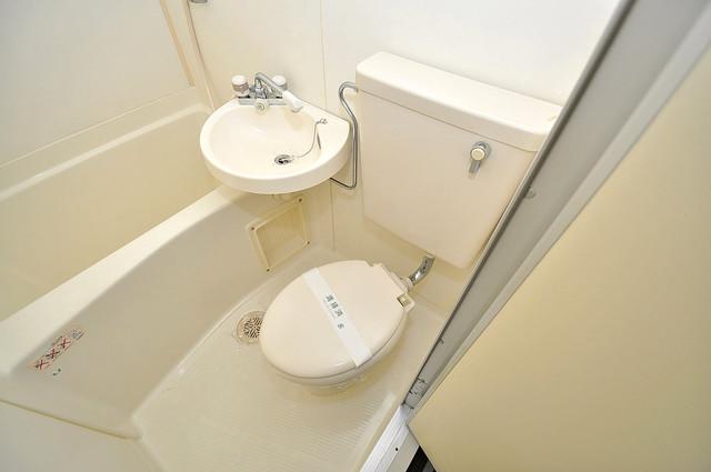 アリーヴェデルチ小阪 シャワー一つで水回りが掃除できて楽チンです