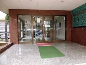 エントランスの入口部分(ガラスドア)