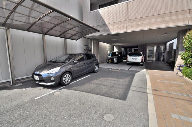 アビテ 敷地内にある駐車場。愛車が目の届く所に置けると安心ですよね。