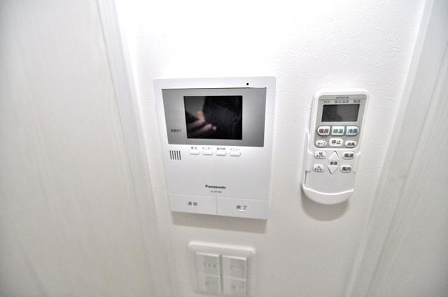 Valenti小阪 TVモニターホンは必須ですね。扉は誰か確認してから開けて下さいね。