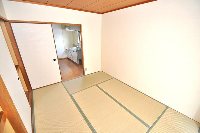 グランドメゾン樋口 畳の心地よい香りがする、この空間で癒されてください。