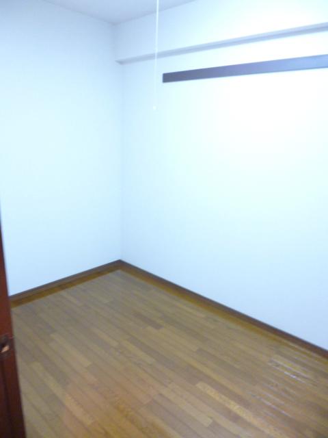 クレスト壱番館居室