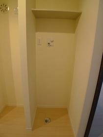 アーバンドエル三宿 205号室