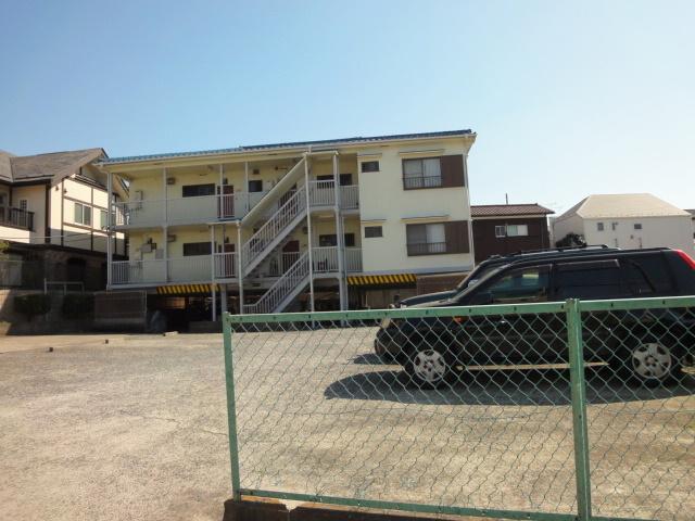 第3グレイスマンション駐車場