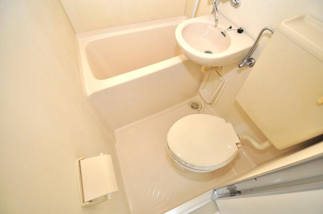 カーサデル吉松 ちょうどいいサイズのお風呂です。お掃除も楽にできますよ。