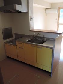 https://image.rentersnet.jp/bd8cdc748666526ee49f157a0e8692ea_property_picture_953_large.jpg_cap_キッチン