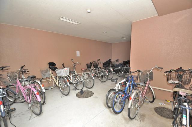 Grand Michelle(グランミッシェル) 屋内にある駐輪場は大切な自転車を雨から守ってくれます。