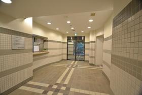 神谷町駅 徒歩5分エントランス