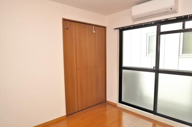 OKハイツ神路 明るいお部屋はゆったりとしていて、心地よい空間です