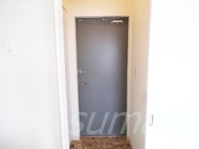 玄関ドアはこの様な感じです!!