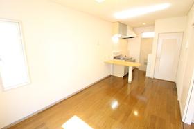 https://image.rentersnet.jp/be1e8aa3-91e6-4f67-8310-7194cafd7029_property_picture_958_large.jpg_cap_居室