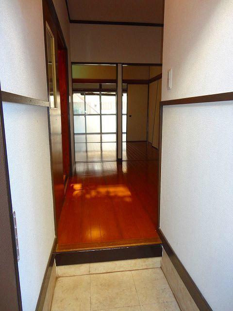 アパートメントスミカ玄関