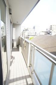 メゾンSHU 305号室