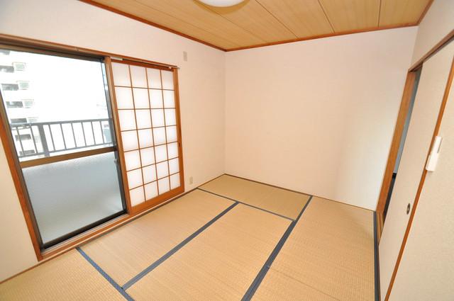 日栄ビル3号館 ゆとりのあるベッドルームで快適な睡眠をとってくださいね。