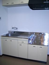 https://image.rentersnet.jp/bf7ebbbe-c0bb-4b6e-840d-34a5341f8d5b_property_picture_2419_large.jpg_cap_キッチン