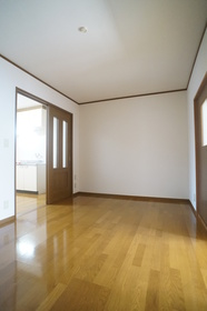https://image.rentersnet.jp/bfb3c848-8050-4a07-8295-3c3cfa811b42_property_picture_2409_large.jpg_cap_★洋室7.5帖★