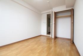 https://image.rentersnet.jp/bfbd2f73-7569-4738-ba7e-ac6e099cfa7e_property_picture_958_large.jpg_cap_居室