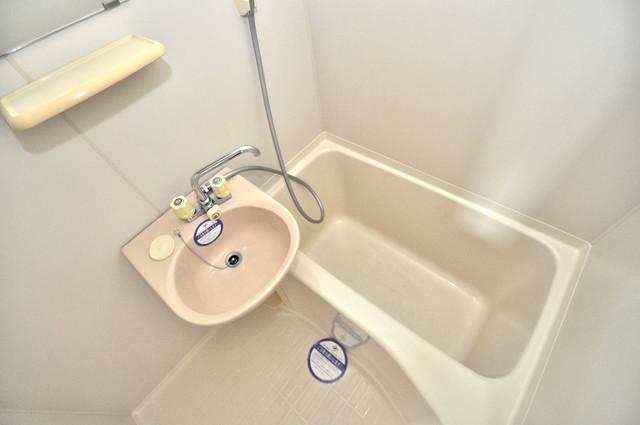 スターハイツ 機能的なバスルームはトイレと別々なので、広々としていますよ。