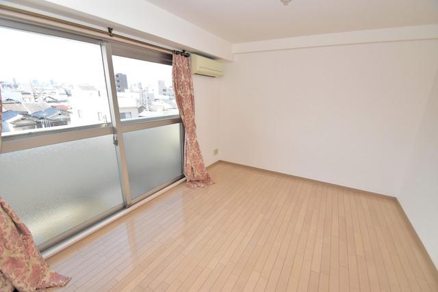カインド高井田 朝には心地よい光が差し込む、このお部屋でお休みください。