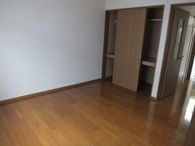 https://image.rentersnet.jp/c03d33fd-c7b6-4e05-816a-8b6c89fe4657_property_picture_959_large.jpg_cap_居室