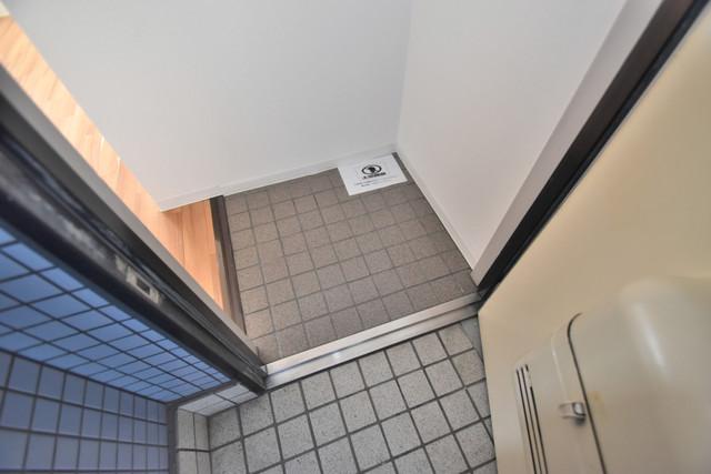 ゴッドフィールドⅢ 素敵な玄関は毎朝あなたを元気に送りだしてくれますよ。