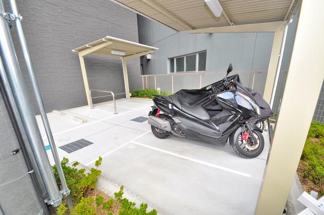 エスリード大阪上本町ブランシュ 意外と少ないバイク置き場 大切なバイクも安心して停めれますよ