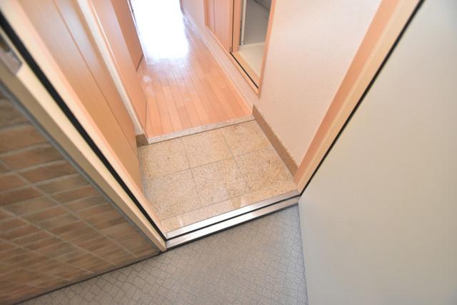 セレブ西上小阪 素敵な玄関は毎朝あなたを元気に送りだしてくれますよ。