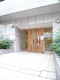 スカイコート三田慶大前エントランス