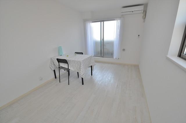 セゾンクレアスタイル新今里 シンプルな単身さん向きのマンションです。