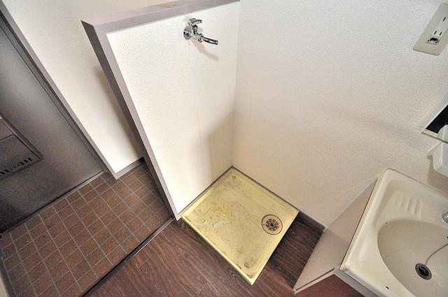 ジオ・グランデ高井田 洗濯機置場が室内にあると本当に助かりますよね。