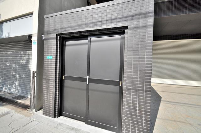 JPレジデンス大阪城東Ⅱ 敷地内に有り、時間を気にせず出せるごみ置き場。