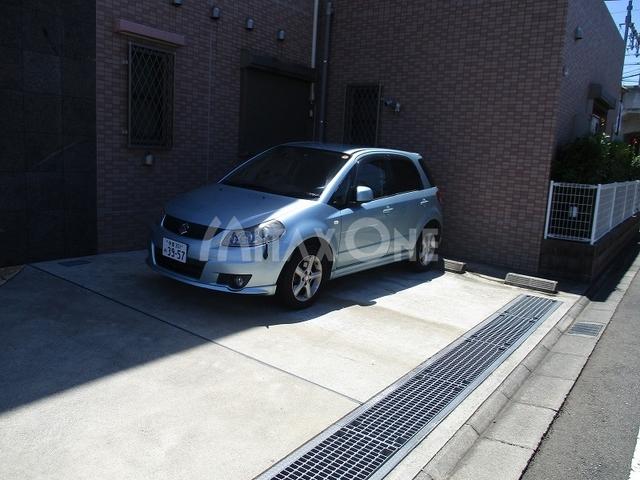 グレイシャス駐車場