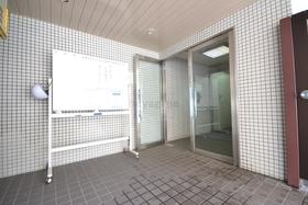広尾駅 徒歩9分エントランス
