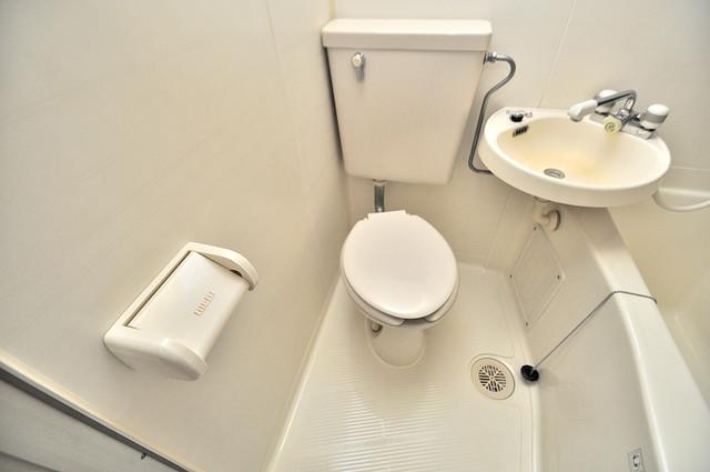 ベルハイム俊徳道 スタンダードなトイレは清潔感があって、リラックス出来ます。