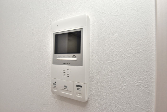 NEXT ONE TVモニターホンは必須ですね。扉は誰か確認してから開けて下さいね
