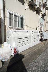 敷地内にゴミ捨て場