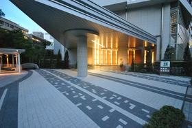 田町駅 徒歩8分エントランス