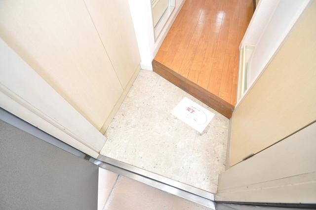 デ・リード高井田駅前 素敵な玄関は毎朝あなたを元気に送りだしてくれますよ。