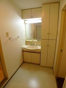 ウィステリアコート 504号室