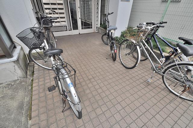 フューチャー21 あなたの大事な自転車も安心してとめることができますね。