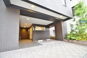御茶ノ水駅 徒歩9分エントランス
