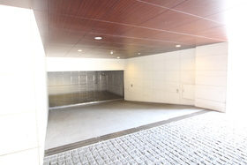 ストーリア赤坂駐車場