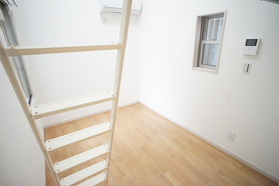 https://image.rentersnet.jp/c498cc93-6c6e-45cb-b530-d996721ac2e5_property_picture_2987_large.jpg_cap_居室