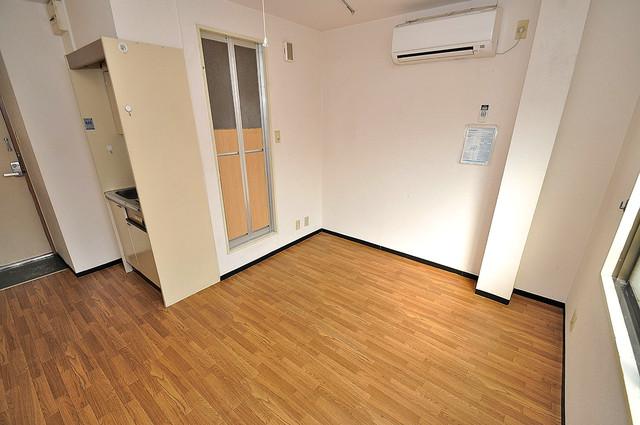 ムーンシングルエイト 落ち着いた雰囲気のこのお部屋でゆっくりお休みください。