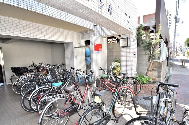 セゾンコトブキ あなたの大事な自転車も安心してとめることができますね。