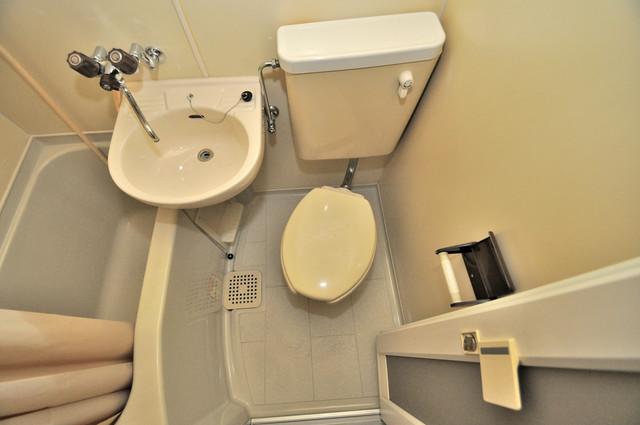 衣摺NAKAKI シャワー1本で水回りが簡単に掃除できますね。