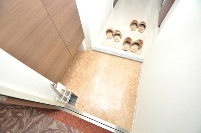 Luxe布施駅前 素敵な玄関は毎朝あなたを元気に送りだしてくれますよ。