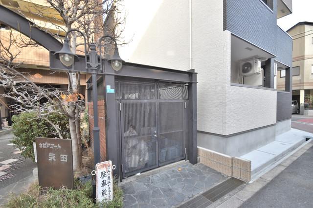 セピアコート柴田 敷地内に有り、時間を気にせず出せるごみ置き場。
